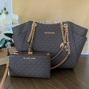 🌿NWT🌿Micheal Kors Jet Set Travel Purse & Wallet